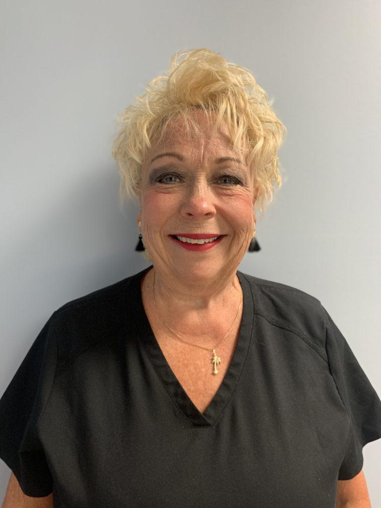 Linda expanded duty dental assistant