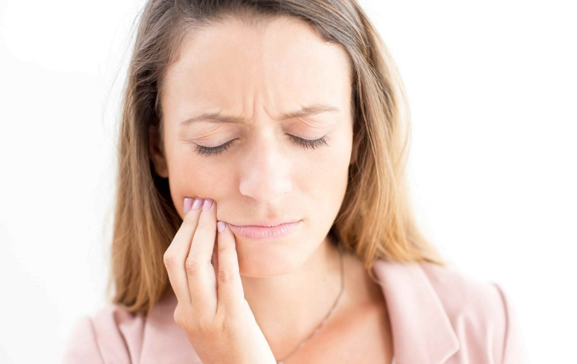 Toothaches: Signs, Symptoms & Treatment